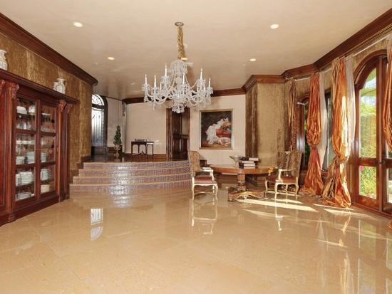 kobe bryant mansion for sale canyon news
