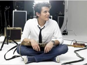 Josh looked (and dressed) like John Mayer.