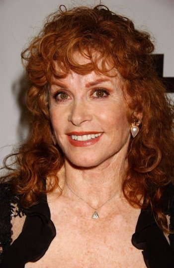 Stefanie Powers. Canyon News