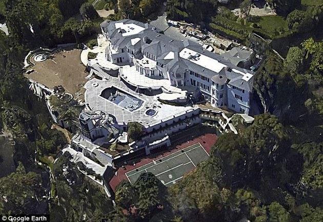 The $65 million dollar Bel Air Estate that Mr. Wynn passed over for the one he now sold after owning it for six months.