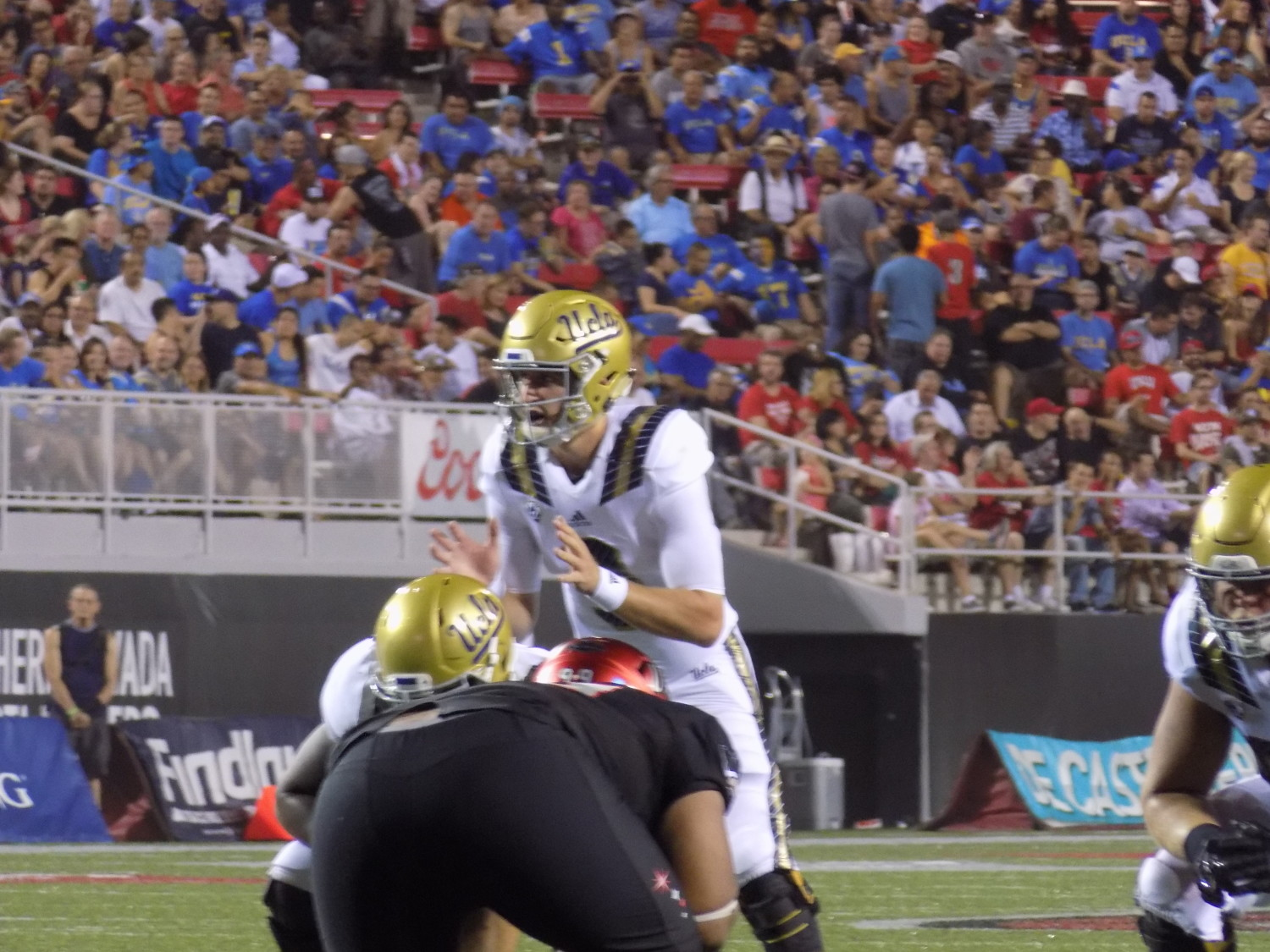 Rosen picks apart the UNLV defense.