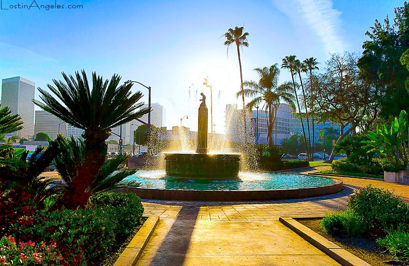 Google Beverly Hills beverly hills hosts electric fountain dedication ceremony - canyon