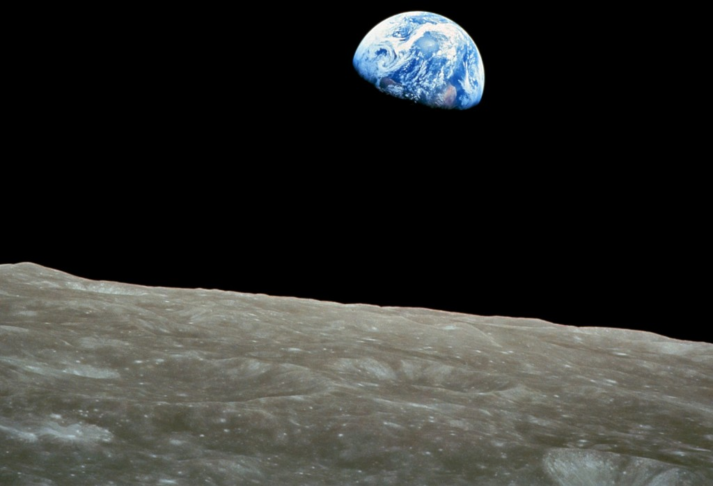 Image courtesy of Wikimedia Comons, NASA, Apollo, and Bill Anders.