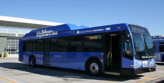 Big Blue Bus Receives Nearly $900,000