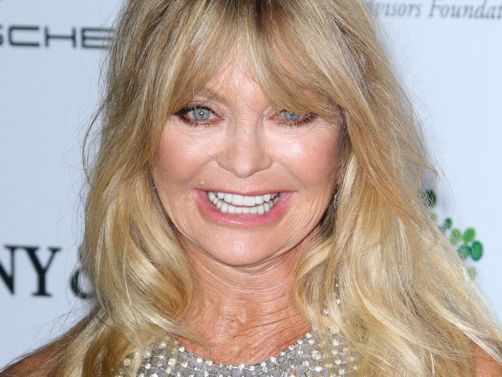 Goldie Hawn Plays Dumb And Wins - Canyon News