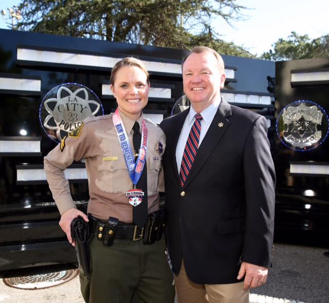 deputy runs in uniform to honor sergeant with leukemia canyon news