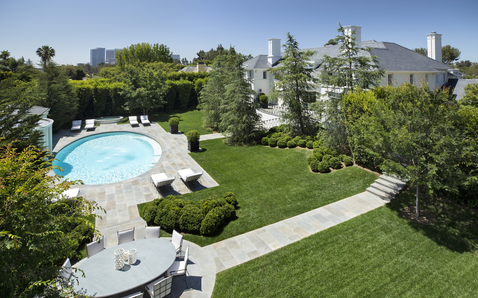 Ann rutherford mansion lists for 40 million canyon news for Rutherford house