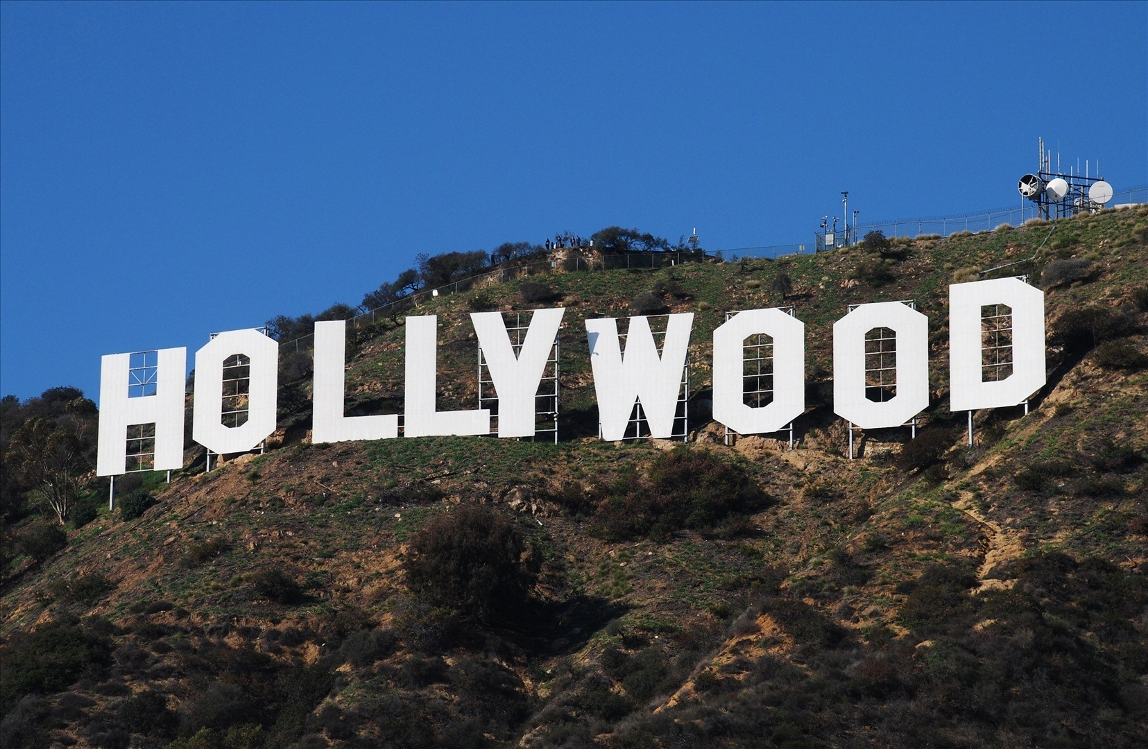 report to reduce tourist traffic includes second hollywood sign