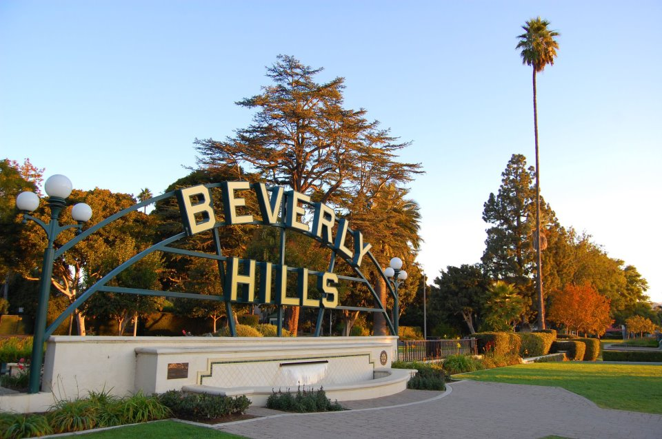 Beverly Hills Nude Photos 91