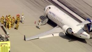 Flight 5316 on runway with responders.