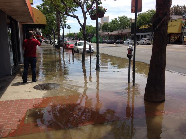 An 8-inch water pipe broke ruptured at 14545 Ventura Blvd, flooding serveral blocks.