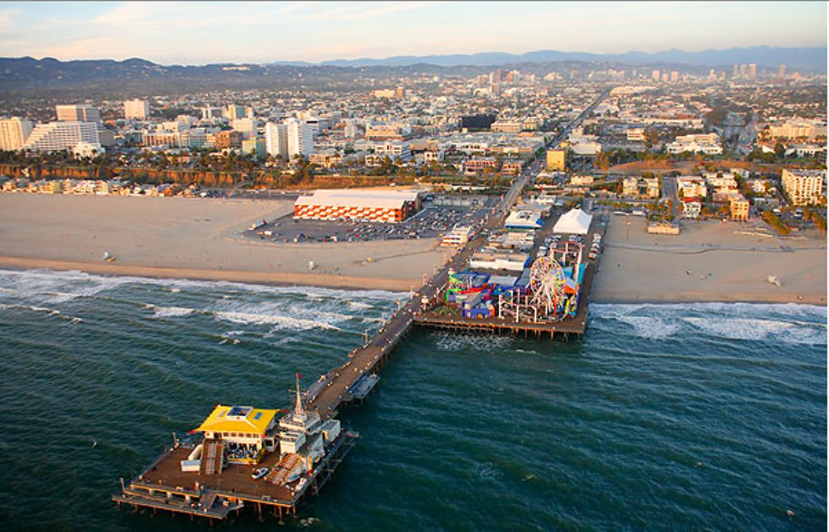Clean Beach Project Underway For Santa Monica