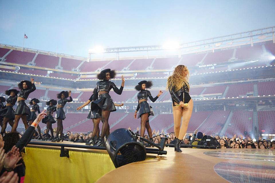 "Beyoncé stole the show at Super Bowl 50 performing her new hit ""Formation."