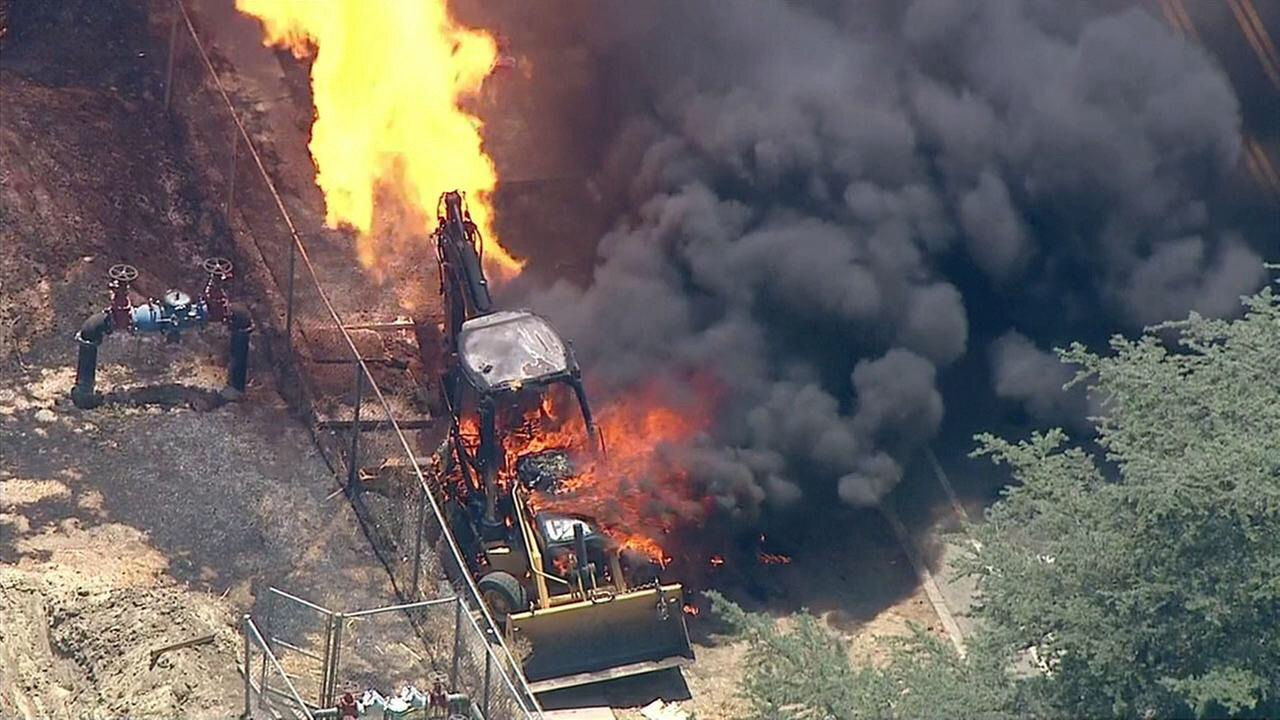 Tractor Causes Fire In Woodland Hills Canyon News