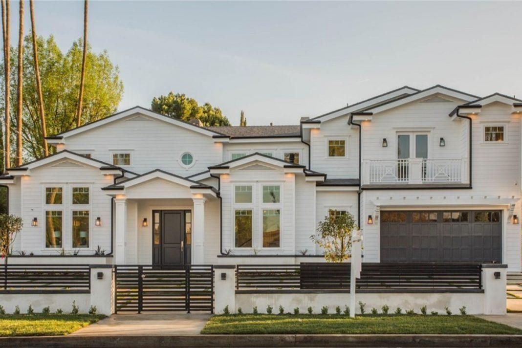 Jordan Clarkson Woodland Hills Home